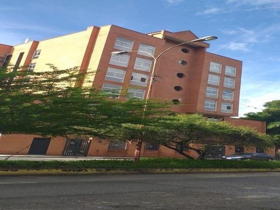 Oficina En Las Acacias. Wc