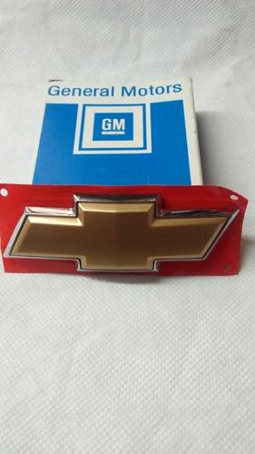 Escudo Portón Chevrolet Corsa Wagon 09/ Legítimo Gm