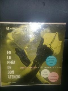 Atencio Paredes Y Su Conjunto Folklórico. Music - Hall.