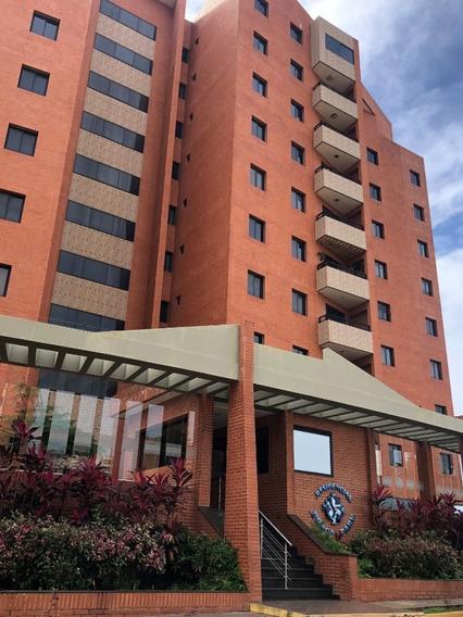 Apartamento Sector Los Samanes, Conj. Resd. Braga Park