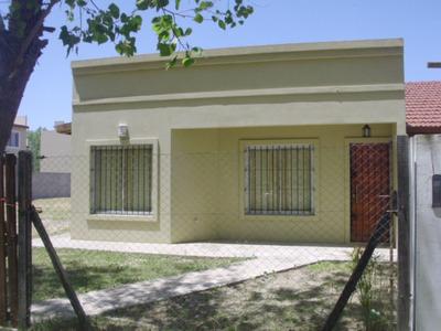 Casa Sola En Lote De 800 M, Para 5 Personas!!!