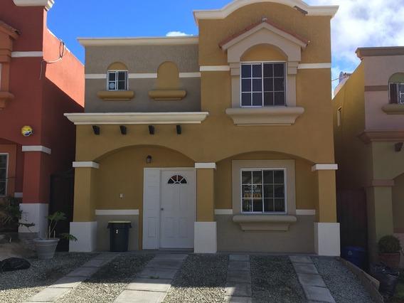 Casa En Renta, En Residencial Urbi Quinta Del Cedro. Tijuana