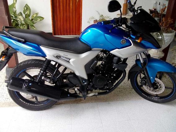 Hermosa Yamaha Sz16r Modelo 2013