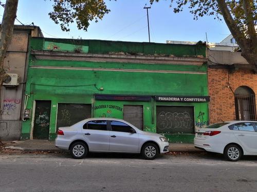 Local Comercial En Calle Cerro Largo, Ideal Para Inversion