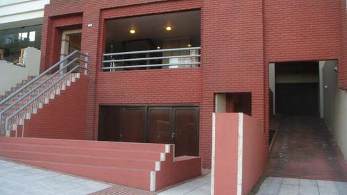 Imagen 1 de 14 de Local -zona Alberti Y Boulevard Maritimo-vista Al Mar