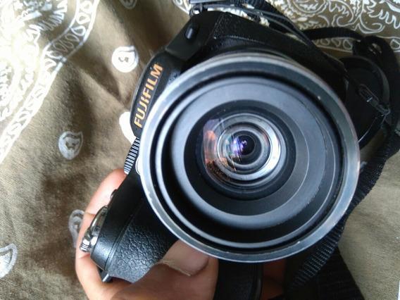 Câmera Digital Semi Profissional Fuji Film