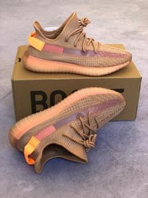 Tênis adidas Yeezy Boost 350 Clay Kanye West