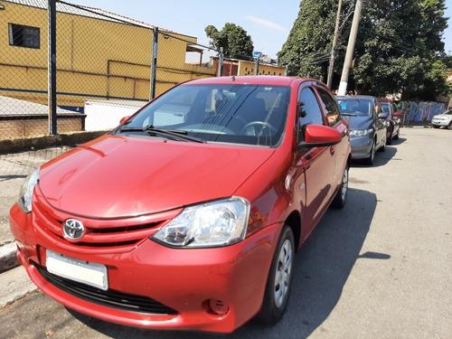 Imagem 1 de 12 de Toyota Etios 2014 1.3 16v X 5p