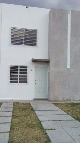 Casa En Renta En Fraccionamiento Los Encinos