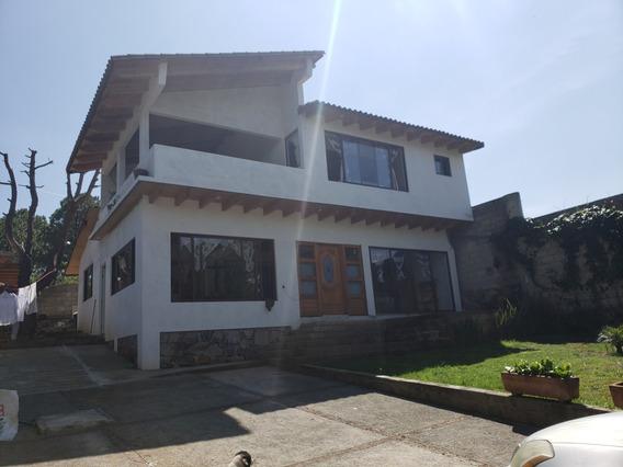 Casa En Venta, Centrica Y Con Vista