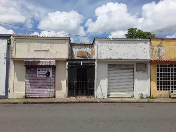 Vendo Casa Con Local Comercial, Calle Rivas Con Chimborazo