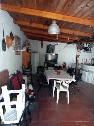 Casa 2 Dormts,patio,cochera Vende/permuta Por Dto 2 Dormts