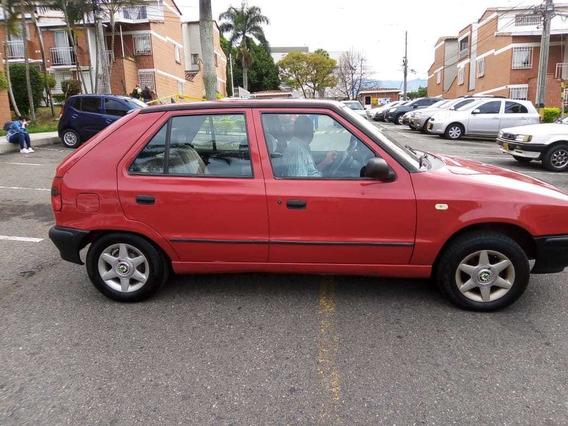 Skoda Felicia 1996 Motor 1300 Rojo 4 Puertas