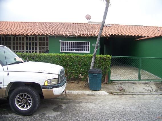 Guatire Casas En Venta 19-156 Gm