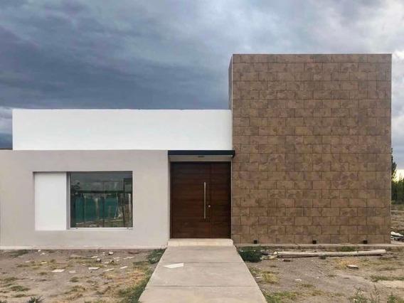 Hermosa Casa A Estrenar De 2 Dormitorios Y Amplio Baño