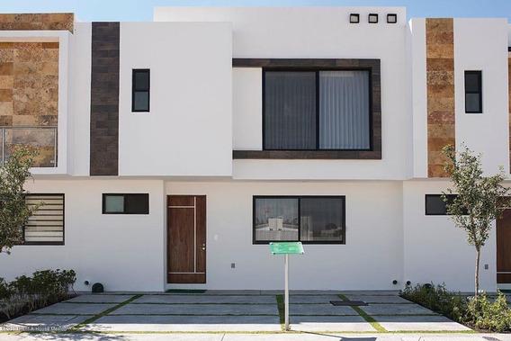 Casa En Venta En El Condado, Corregidora, Rah-mx-20-596