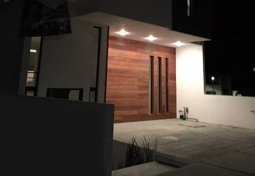 Se Vende Hermosa Casa En Zibata, Con Roof Garden Y Hermosa