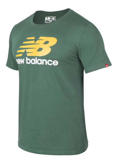 Remera Hombre New Balance Essentials Stacked