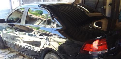 Imagem 1 de 5 de Volkswagen Voyage 2011 1.0 Vht Total Flex 4p