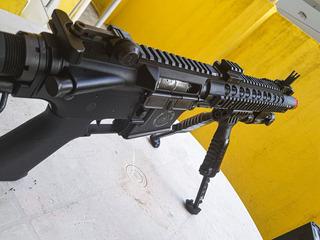 Airsoft Rifle Bolt Recoil M4 + Alguns Acessórios