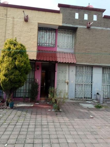 Casa En Venta En Cu Santa Teresa Ii, Huehuetoca, Rah-mx-20-3525
