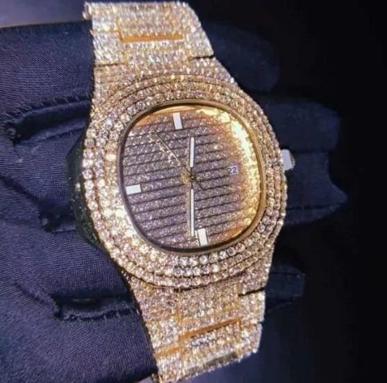 Relógio Dourado Cravejado Novo Zirconia Trap