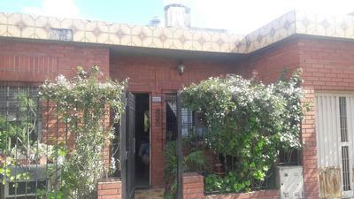 Tipo Casa Independiente Con Patio, Gge Y Terraza, Buena Ubic