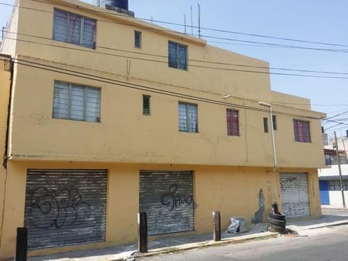 Edificio Con Locales Comerciales Y Departamentos