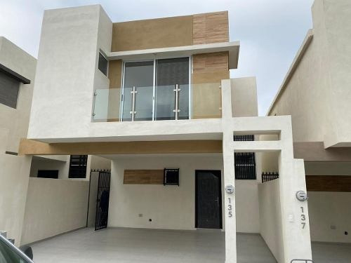 Casa En Venta En Residencial Apodaca (mvo)