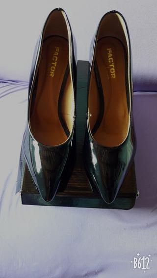 Sapato Feminino Scarpin Preto Verniz Salto 8 Cm