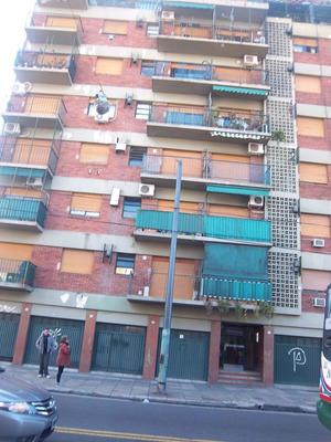 Av. Carrasco Al 300 .excelente . 2 Amb. Frente. Balcon.. Tel