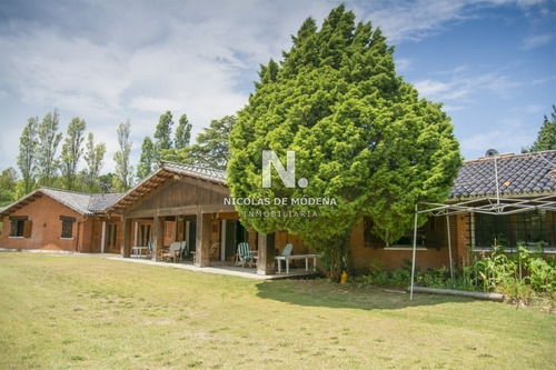 Casa En Venta En La Zona Del Golf.- Ref: 3123