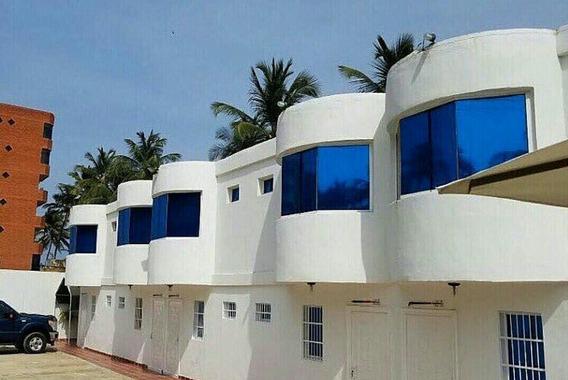 Resort En Venta En Tucacas 04121994409