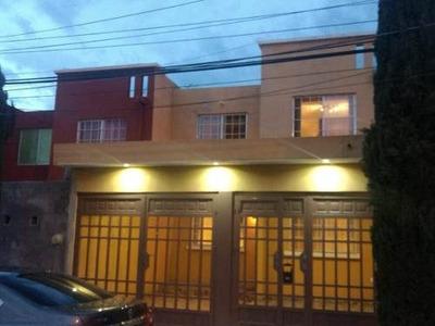 Casa En Fracc. Vistas De Oriente En Aguascalientes
