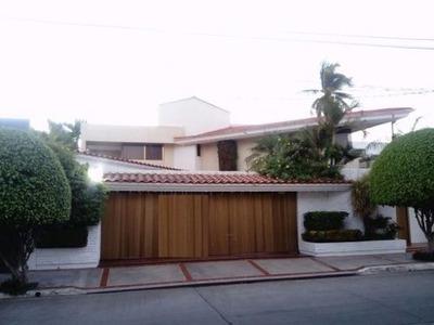 Casa En Venta En Colonia Chapultepec!!!