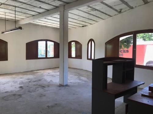 Local Plaza Playacar Zona Hotelera 102