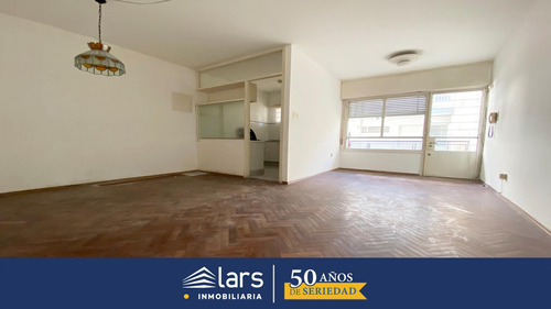 Apartamento Para Alquilar / La Blanqueada / Inmobiliaria Lars