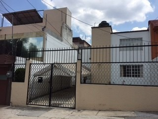 Casa Con Tres Recámaras, Dos Baños Completos Ubicación Ideal