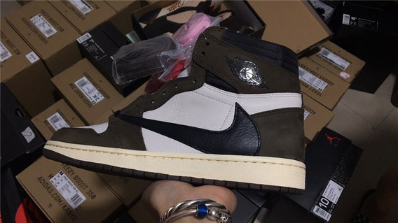 Air Jordan 1 - Travis Scott