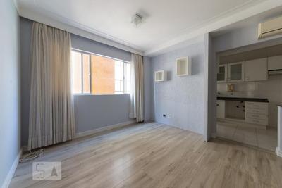 Apartamento No 10º Andar Com 2 Dormitórios E 1 Garagem - Id: 892932302 - 232302