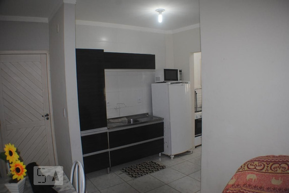 Apartamento No 1º Andar Mobiliado Com 1 Dormitório E 1 Garagem - Id: 892945700 - 245700