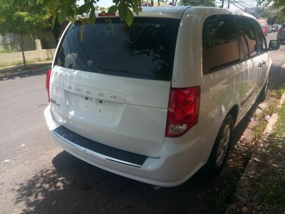 Dodge Caravan Blanca 2014