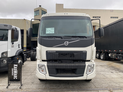 Imagem 1 de 14 de Volvo Vm 270 Ano 2021 Chassis 0km Ñ 24280 24260 2429 2430