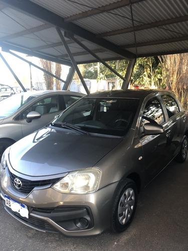 Imagen 1 de 11 de Toyota Etios Xs