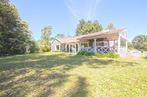 Casa En Alquiler 3 Dormitorios La Arbolada- Ref: 4121