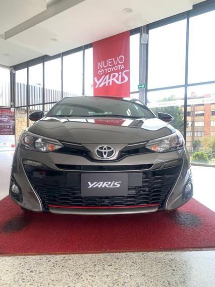 Toyota Yaris Motor 1500 2021 Gris Arena 4 Puertas