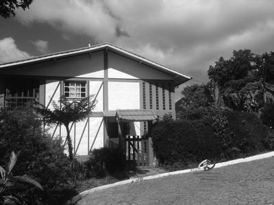 Casa A Venda No Bairro Braunes Em Nova Friburgo - Rj. - Cv-076-1