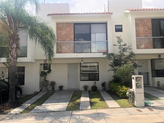 El Mirador - Casa En Renta. Condominio Con Control De Acceso