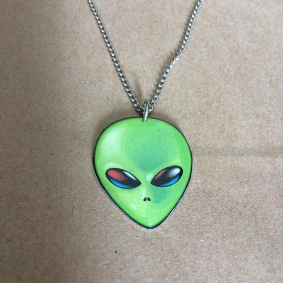 Colar Pingente Alien