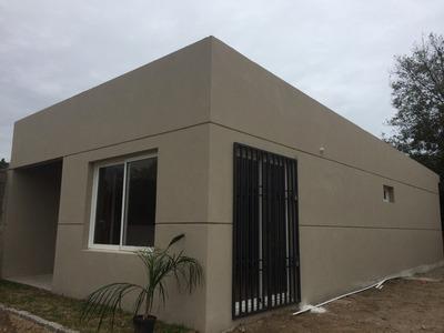 Casa A Estrenar, 2 Dormitorios, Muy Funcional